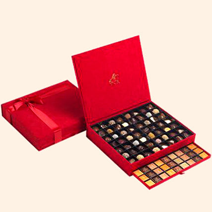 Royal Coffret Of Sweets - Arabian Petals