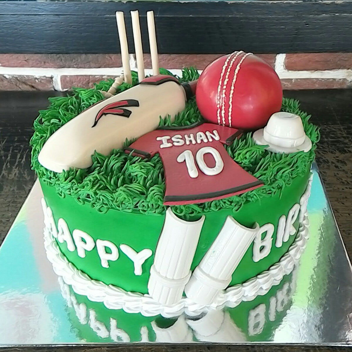 Cricket Lover Cake - CWD - Arabian Petals