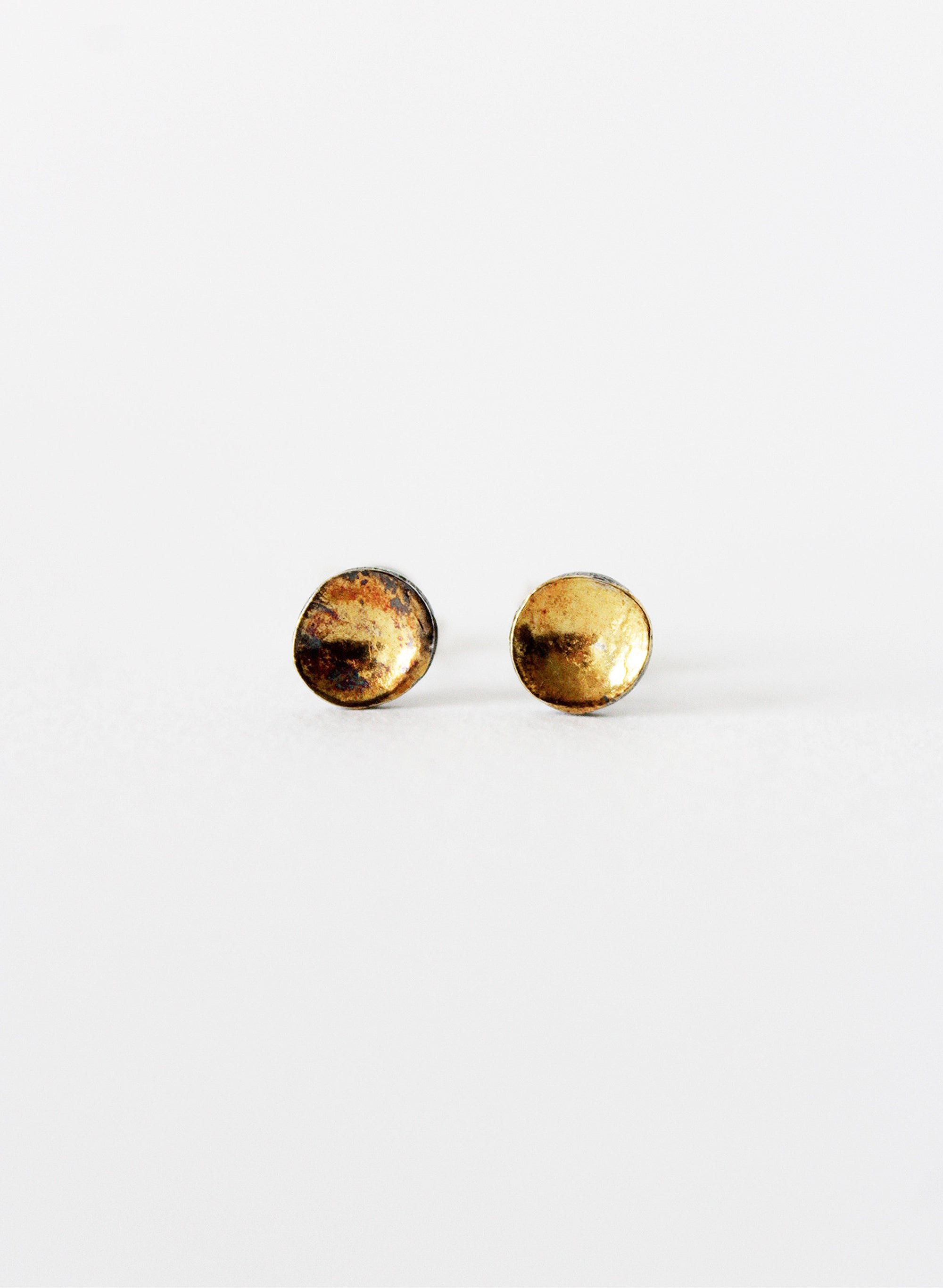 Concave Dot Earrings