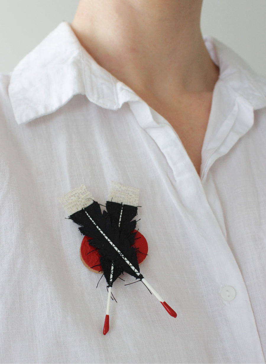 Double Huia Feather Brooch - Red