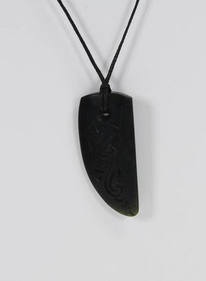 Niho Engraved Big Hole Pounamu