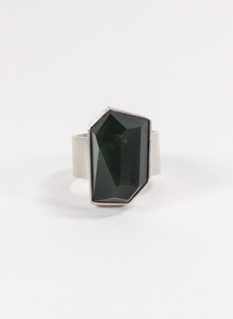 Geometric Facetted Ring