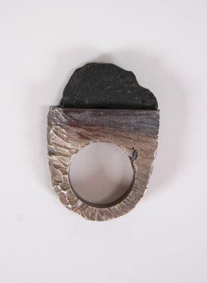 Wharariki Black Roch Ring