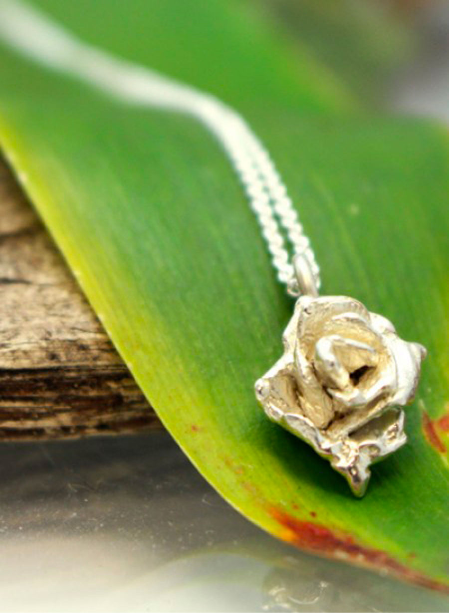 Small Rose Necklace - Silver