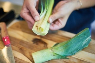 clean-leeks-with-salad-spinner