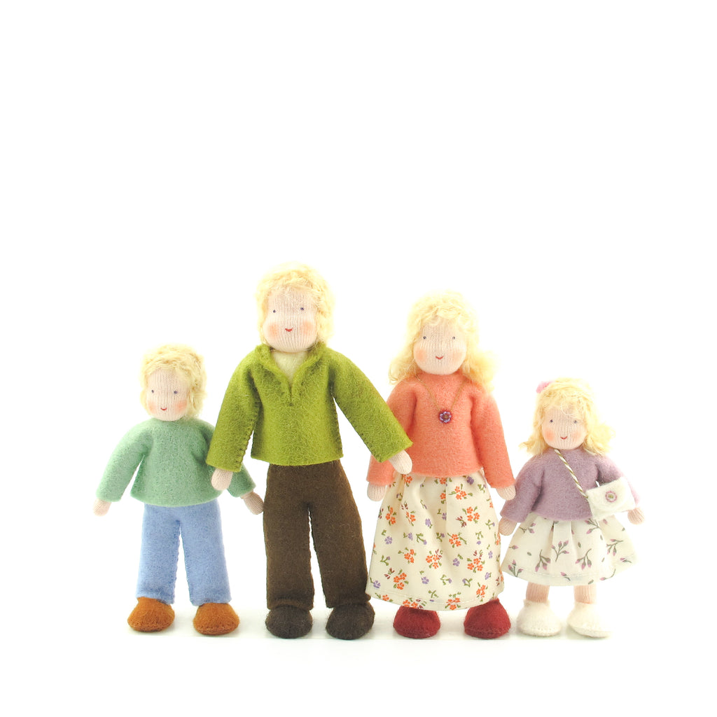 Dollhouse doll family - Blonde