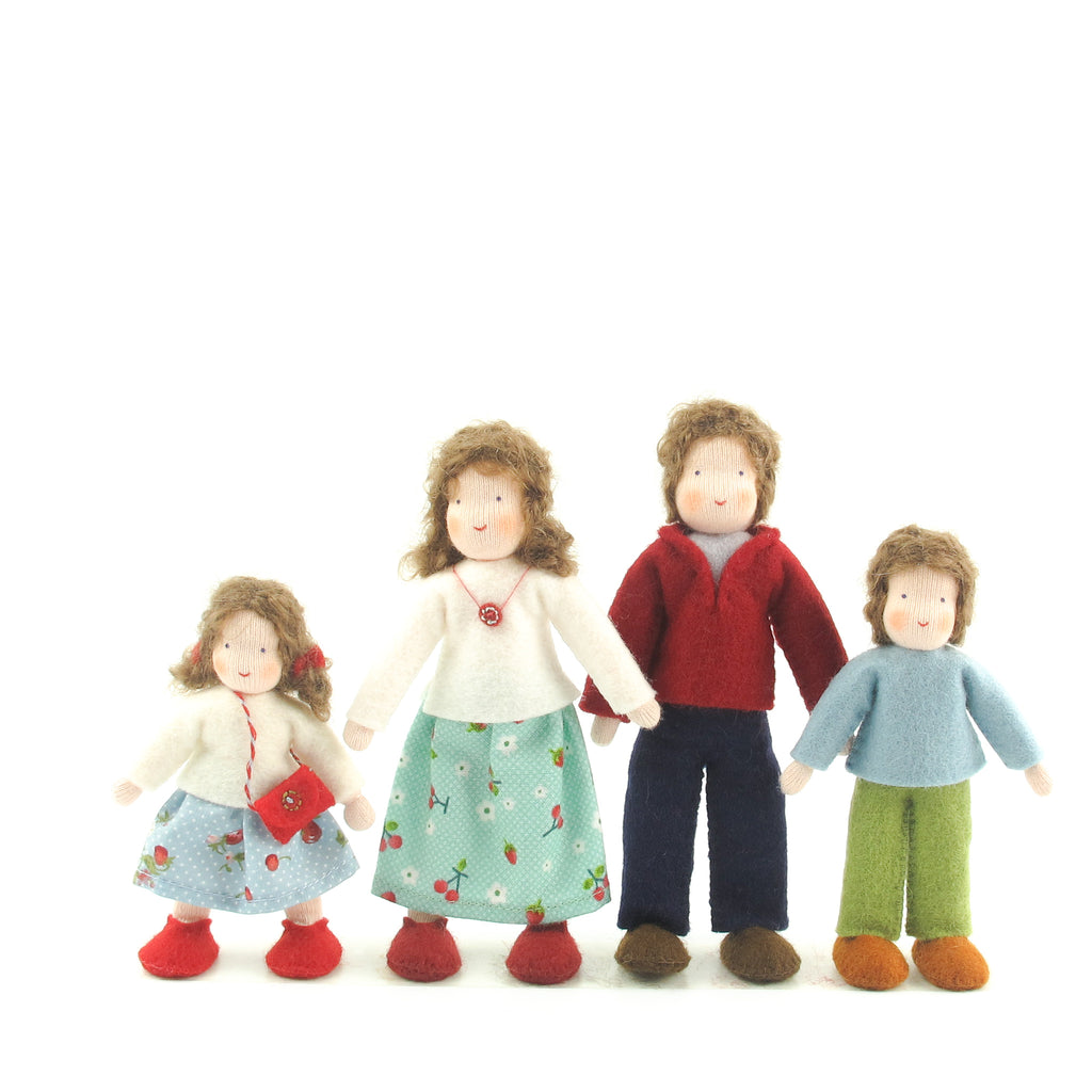 Dollhouse doll family - Brown hair