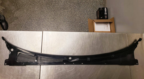 R32 Skyline Front wiper Cowl Assembly