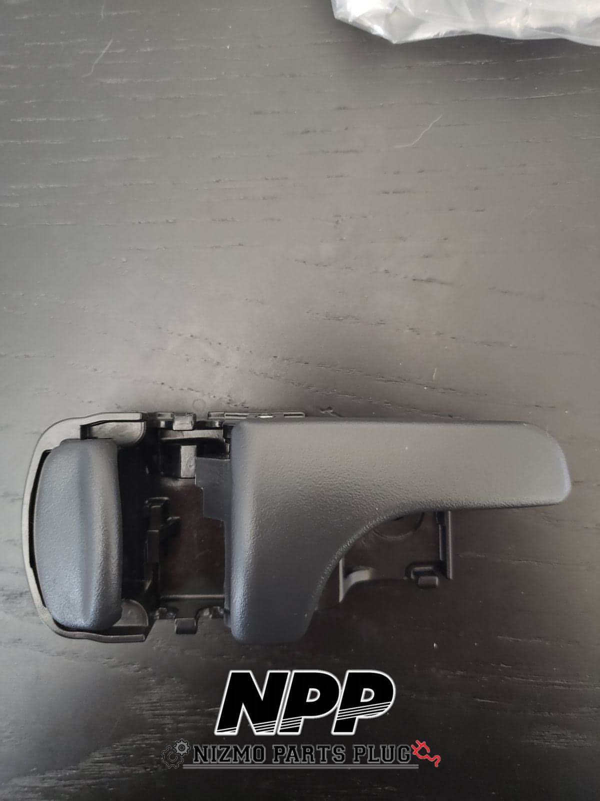 R32 Skyline RH Interior Door Handle