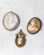 Vintage Carved Cameo Brooch