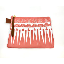 Sweet Defender Clutch in Living Coral