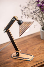 Load image into Gallery viewer, Recycled skateboard flexo lamp_Black