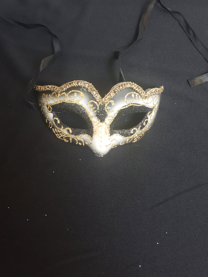 MASK: Black and gold fancy mask