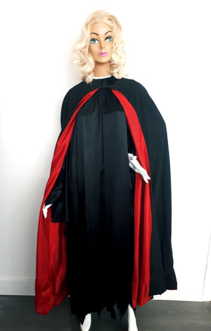 COSTUME RENTAL - P16 Cape red and black