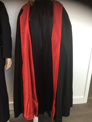 COSTUME RENTAL - P7 Cape, deluxe long (black and red)