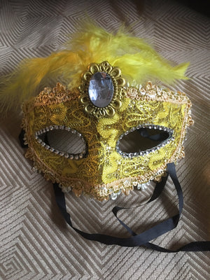 MASK: Fancy gold feather mask