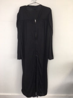 COSTUME RENTAL - M15 - Graduation Robe with cap