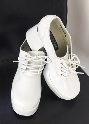 SHOE RENTAL:  Z47c - White Shiny Platform Shoes Rental - Small 8-9