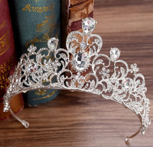 TIARA: Baroque Luxury Crystal Leaf Tiara SILVER