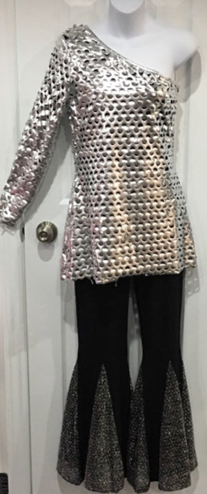 COSTUME RENTAL - X251 1970's Silver off the shoulder blouse