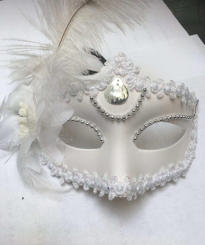 MASK:  Baroque Mask with feather, White