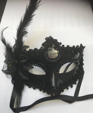 MASK:  Baroque Mask with feather, Black