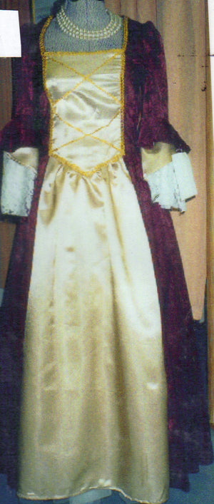 COSTUME RENTAL - A9  Colonial  Princess
