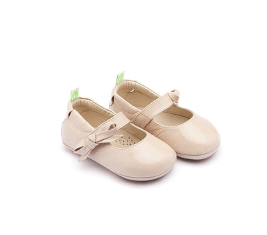 Dorothy Baby Shoes in Patent Yoghurt