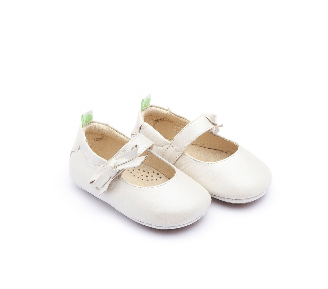 Dorothy Baby Shoes in Antique White