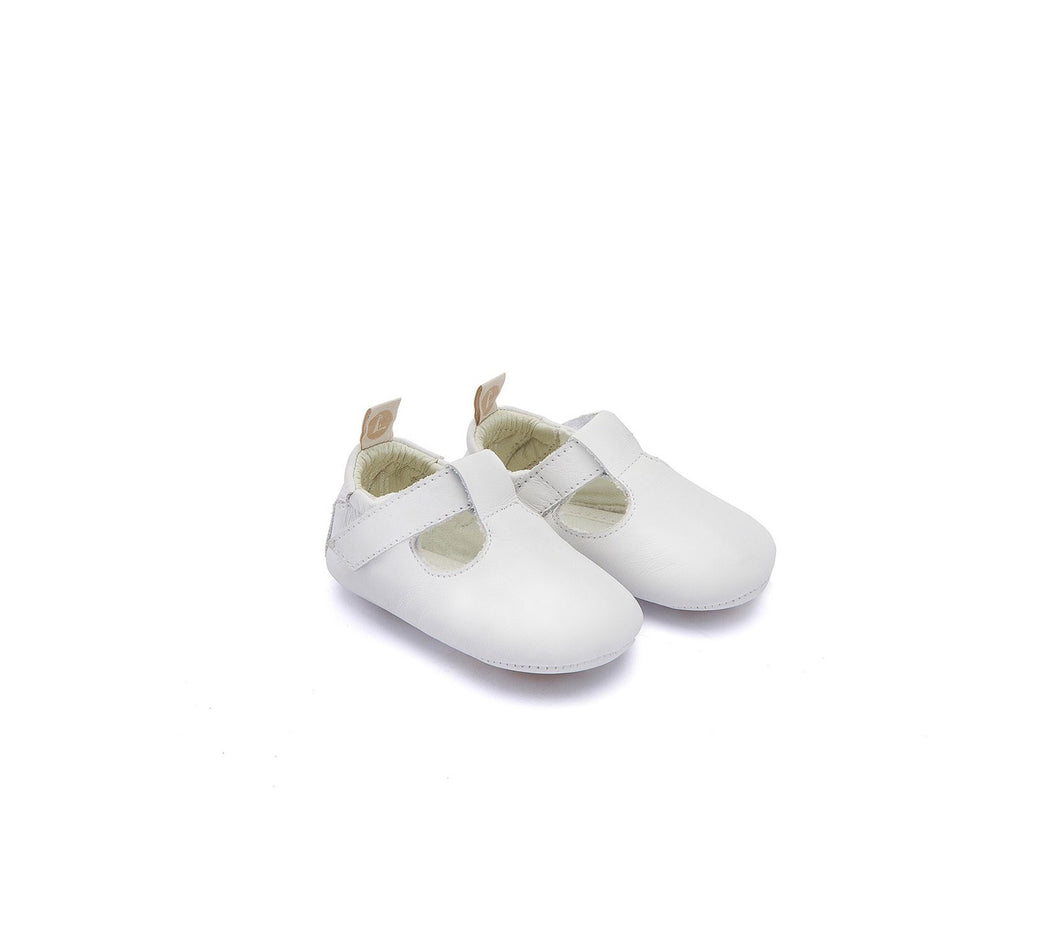 Love Newborn Shoes in White