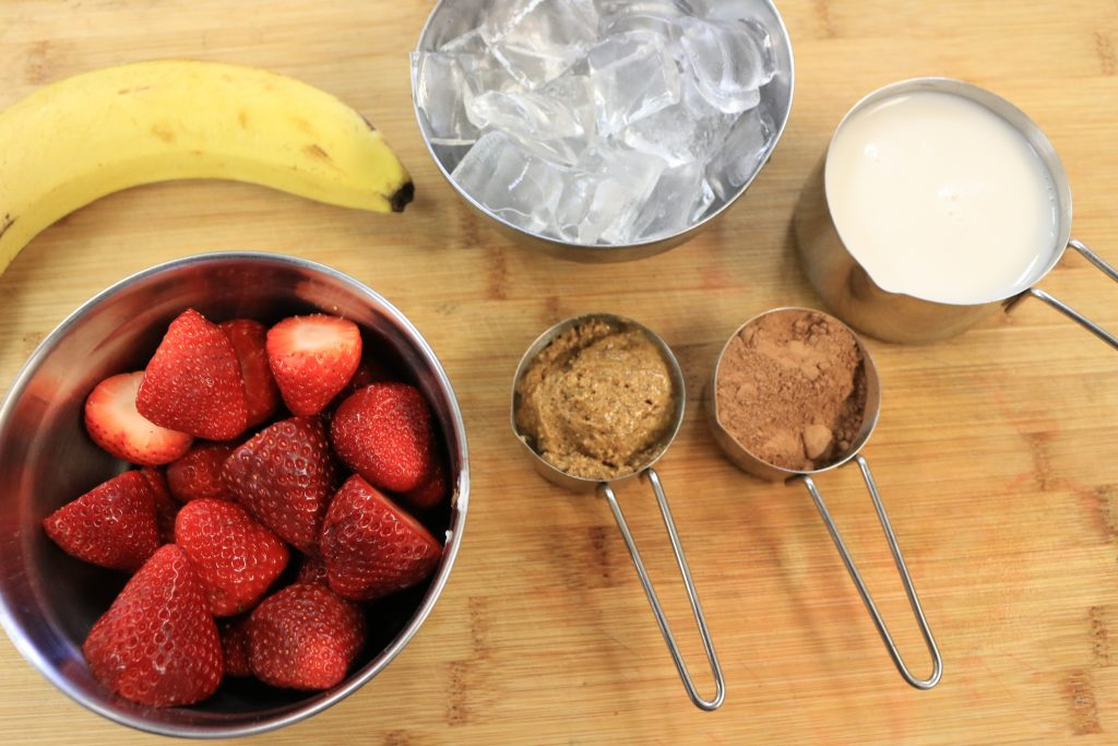 paleo aip chocolate covered strawberry smoothie ingredients