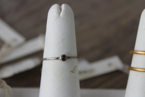 SILVER RING WITH CHAMPAGNE DIAMOND RING