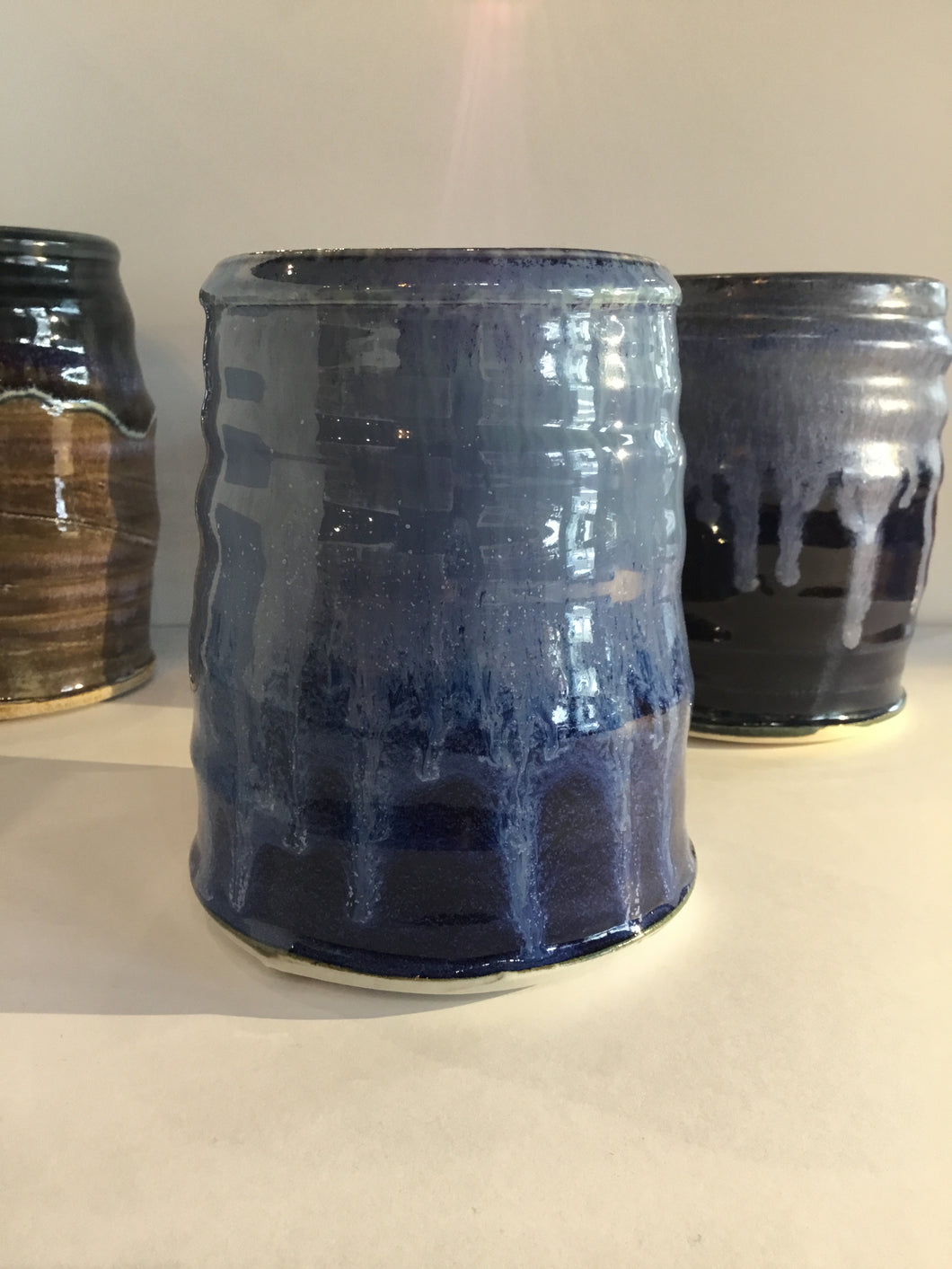 UTENSIL HOLDER POTTERY