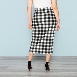 Black And White Plaid Plus Size Pencil Skirt for Women - Funs & Good Women's fashion including dresses, T-shirts, sweatshirts, hoodies, leggings, skirts, bodysuits and more.