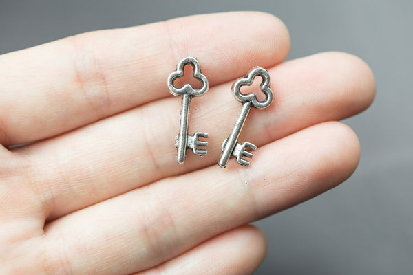 20 Key Charms 9x22mm 1173-9805