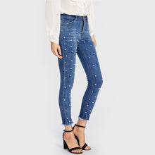 Load image into Gallery viewer, Pearl Beaded Frayed Hem Jeans