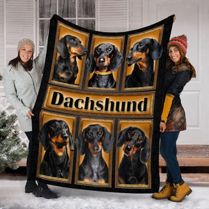 Pemola - Dachshund 3D Blanket, Dog Black Blanket, Funny Dog Fleece Blanket