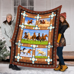 Pemola - Horseback riding Fleece Blanket, Horse beautiful blanket for your family