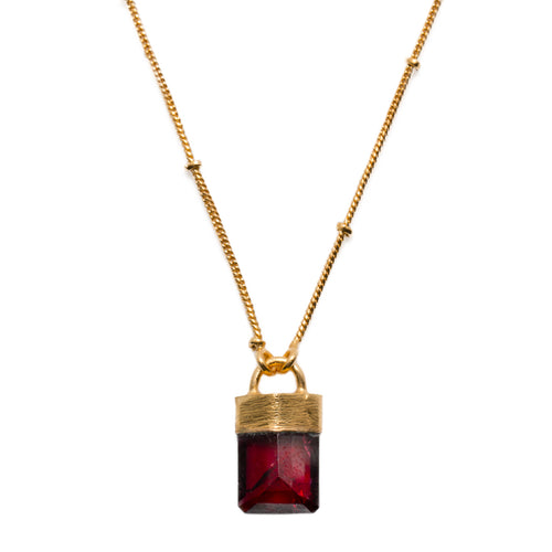 KITY GARNET NECKLACE