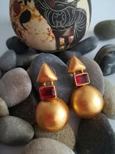 Load image into Gallery viewer, TRACIA RED EARRINGS