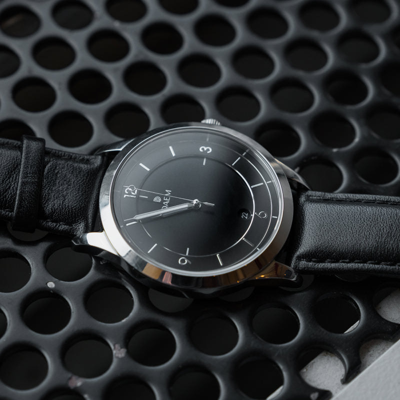 DAEM Sterling x Black leather watch