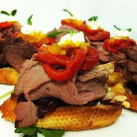Fillet of Rare Roast Beef Crostini