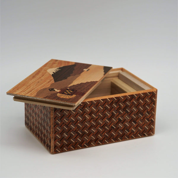 New2Play Puzzle Box Japanese Handmade Puzzle Box 5 Sun 10 Steps Maiko