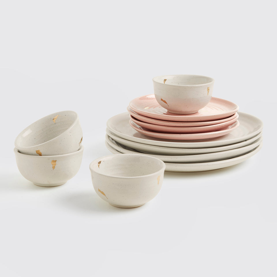 Ganga Dinner Set of 4 <span><br> Beige with Old Rose </span>