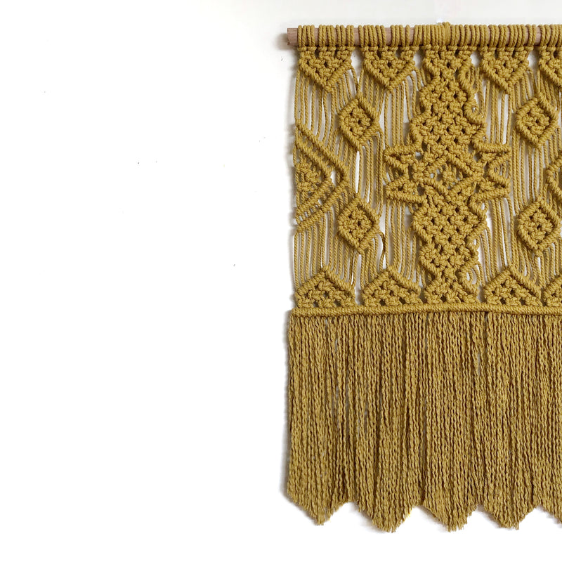 "Intermediate - Advanced ""Navajo"" Macrame Pattern"