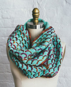 Glorious Cincuenta Cowl (F100)