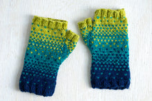 Drops of Spring Mitts (F136)