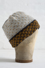 Mancha Hat + Mitts (F153)