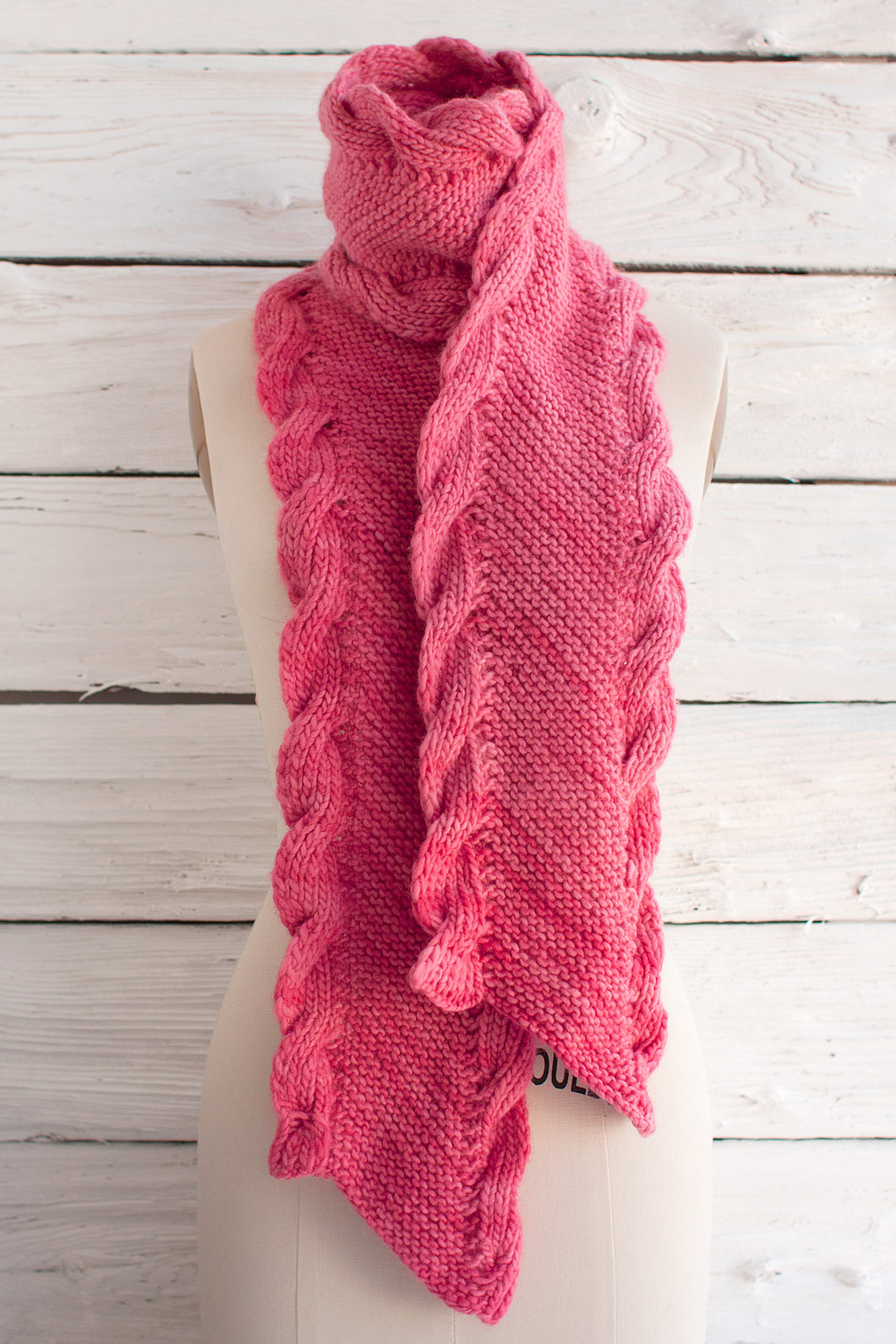 Bias Scarf with Ribbed Cables (F41)