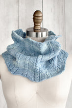 Zigzag Cable Cowl (F63)
